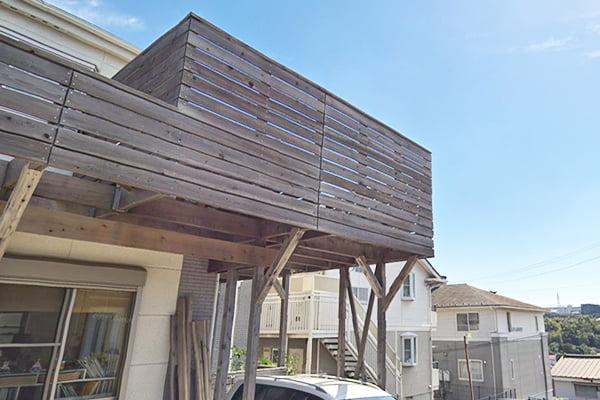 ウエスタンレッドシダーに塗ったウッドロングエコの4年弱ほど経年の色味2(GoogleStreetViewさんからの引用2)の写真画像(北西より)