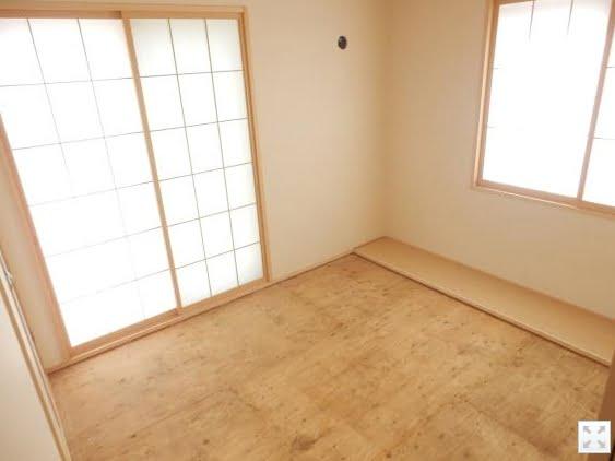 当初の和室を当時の出入り口側から撮影した写真画像