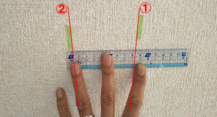 下地位置のマーキング写真に解説用のコメントを入れた写真画像(下地センサー精度検証解説用1)