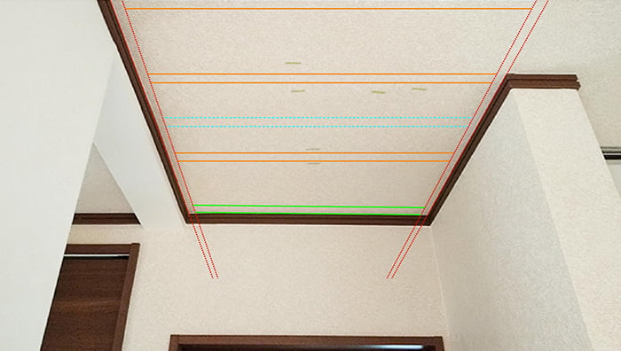 横方向天井下地位置イメージを天井写真に描き込んだ解説用写真画像