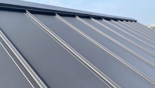 鉄板屋根のイメージ1:瓦棒葺き写真画像