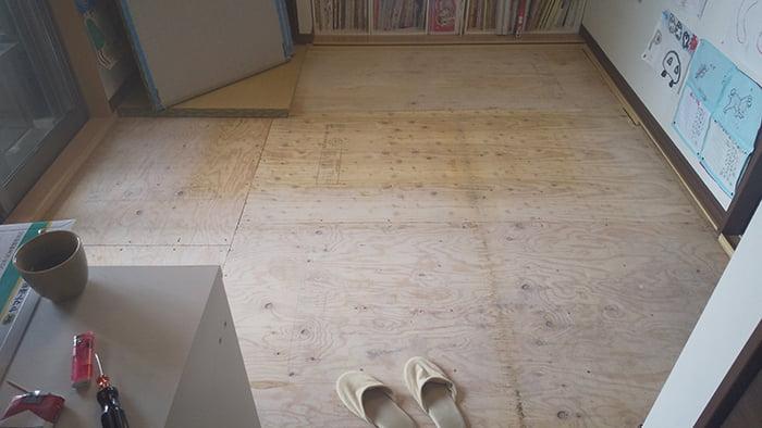 畳の外し方(畳の剥がし方)解説写真9:必要な枚数の畳を外した状態を撮影した写真画像