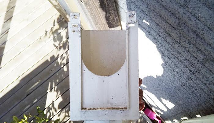 筆者の建売マイホームの角ますを取り外して裏面を撮影した写真画像