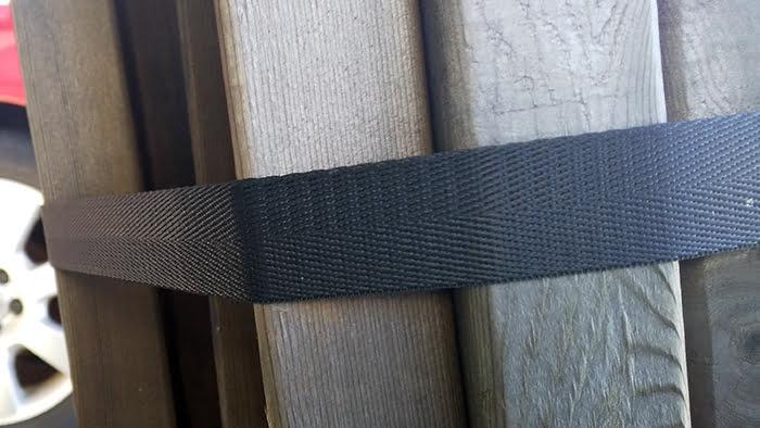 筆者の建売マイホームで使用している経年22か月のナイロン製ラッシングベルト(荷締めベルト)の様子3
