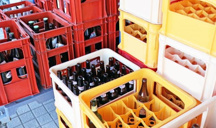挿絵:傘立てに代用できそうな形状の例を撮影したビールケースの写真画像 ※傘立てのアイデア解説用写真画像02