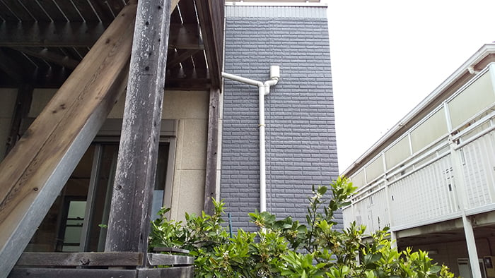 雨漏り修理(DIY外壁塗装)を撮影した写真画像、1B中景:塗装後(アフター)