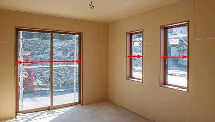 窓(サッシ)の内法寸法の例(写真):横方向(巾)