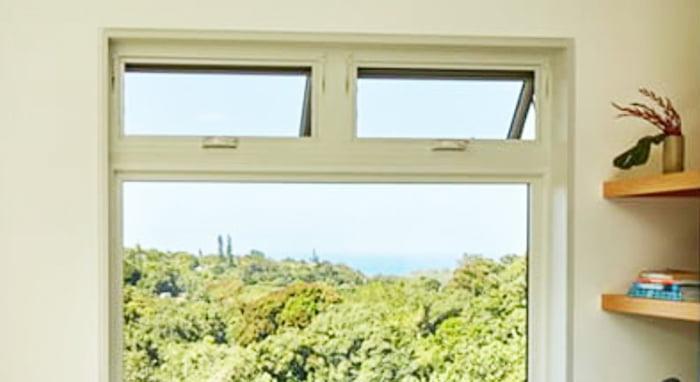アンダーセンさんサイトで紹介されている「Awning window」の内観写真 (アンダーセンさんサイトのより引用)